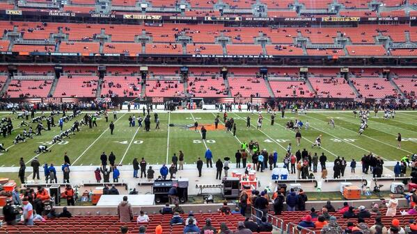 Photo of FirstEnergy Stadium from the 50 yard line during a Cleveland Browns game.