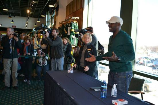 Donald Driver of the Green Bay Packers Signing Autographs