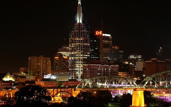 Photo of the downtown Nashville, Tennessee skyline.
