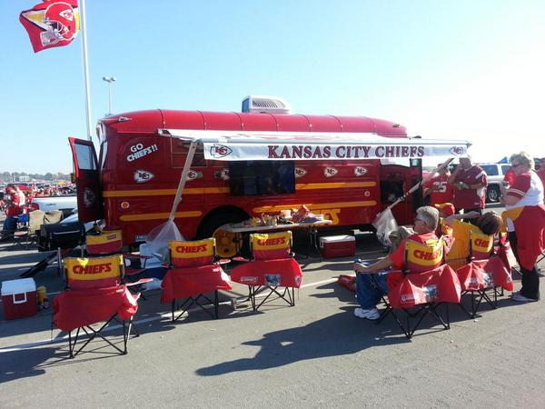 Photo of Kansas City Chiefs fans tailgating.