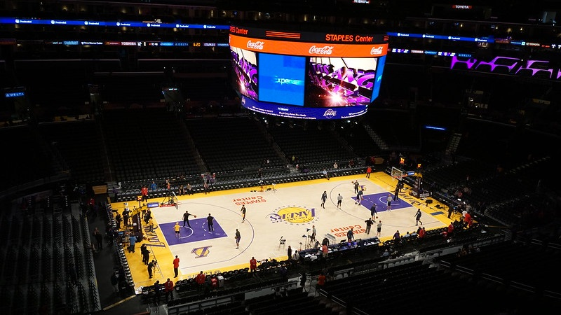 Photo of the court at the Staples Center during a Los Angeles Lakers game.