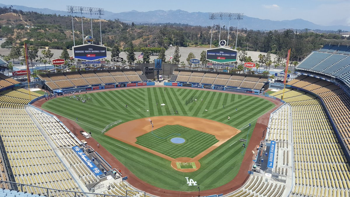 Photo of the field at Dodger Stadium, home of the Los Angeles Dodgers.