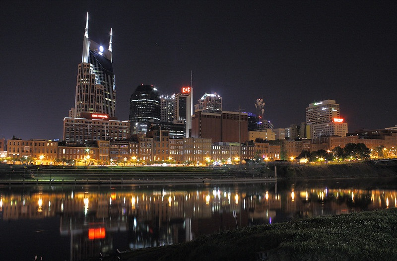 Photo of downtown Nashville, Tennessee at night.