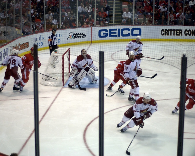 Photo of a game between the Phoenix Coyotes and the Detroit Red Wings.